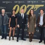 berenice marlohe pour la sortie de 007 skyfall