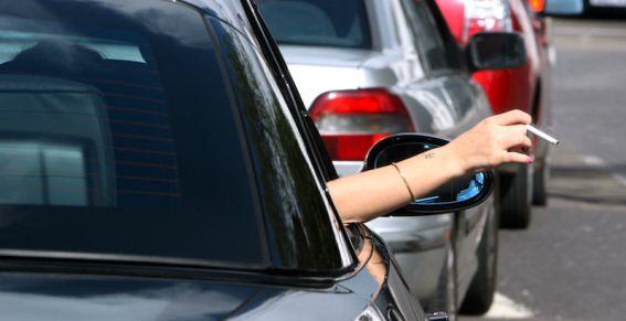 Fumer en voiture : 3x plus dangereux
