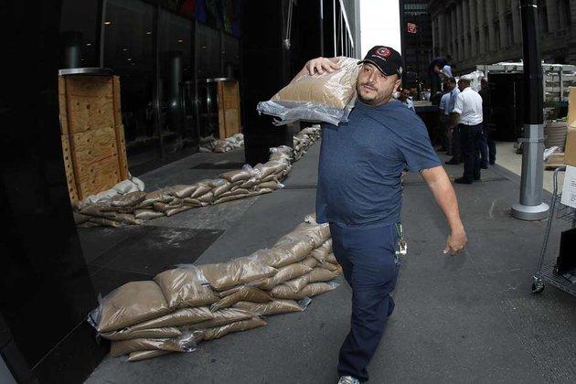 L'ouragan Sandy devrait frapper New York dans les heures qui suivent