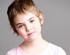 Emma, 7 ans est en rémission d'une leucémie suite à un traitement expérimental utilisant un virus modifié du SIDA.