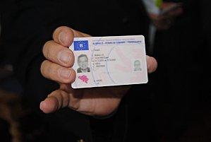 Alors qu'on l'attendait pour janvier 2013, le permis électronique devrait se répandre en France à partir de septembre.