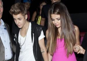 Le couple des jeunes stars américaines Justin Bieber et Selena Gomez serait une nouvelle fois en péril suite à une dispute en fin d'année dernière !