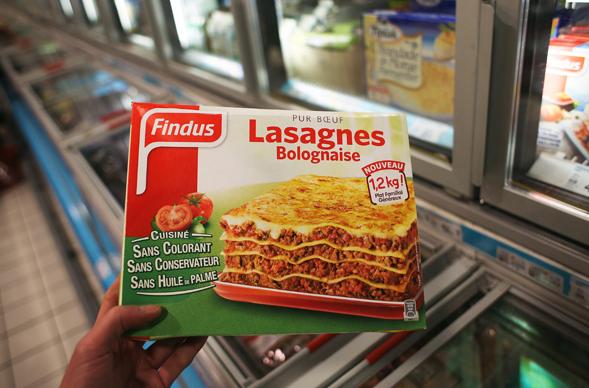 Le scandal de la viande de chaval dissimulée continue et plusieurs nouvelles enseignes ont déjà annoncé le retrait de certains produits du marché !