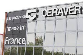 Après l'affaire des prothèses PIP, le laboratoire Ceraver est mis en cause pour avoir commercialisé des prothèses sous le label CE sans autorisations.